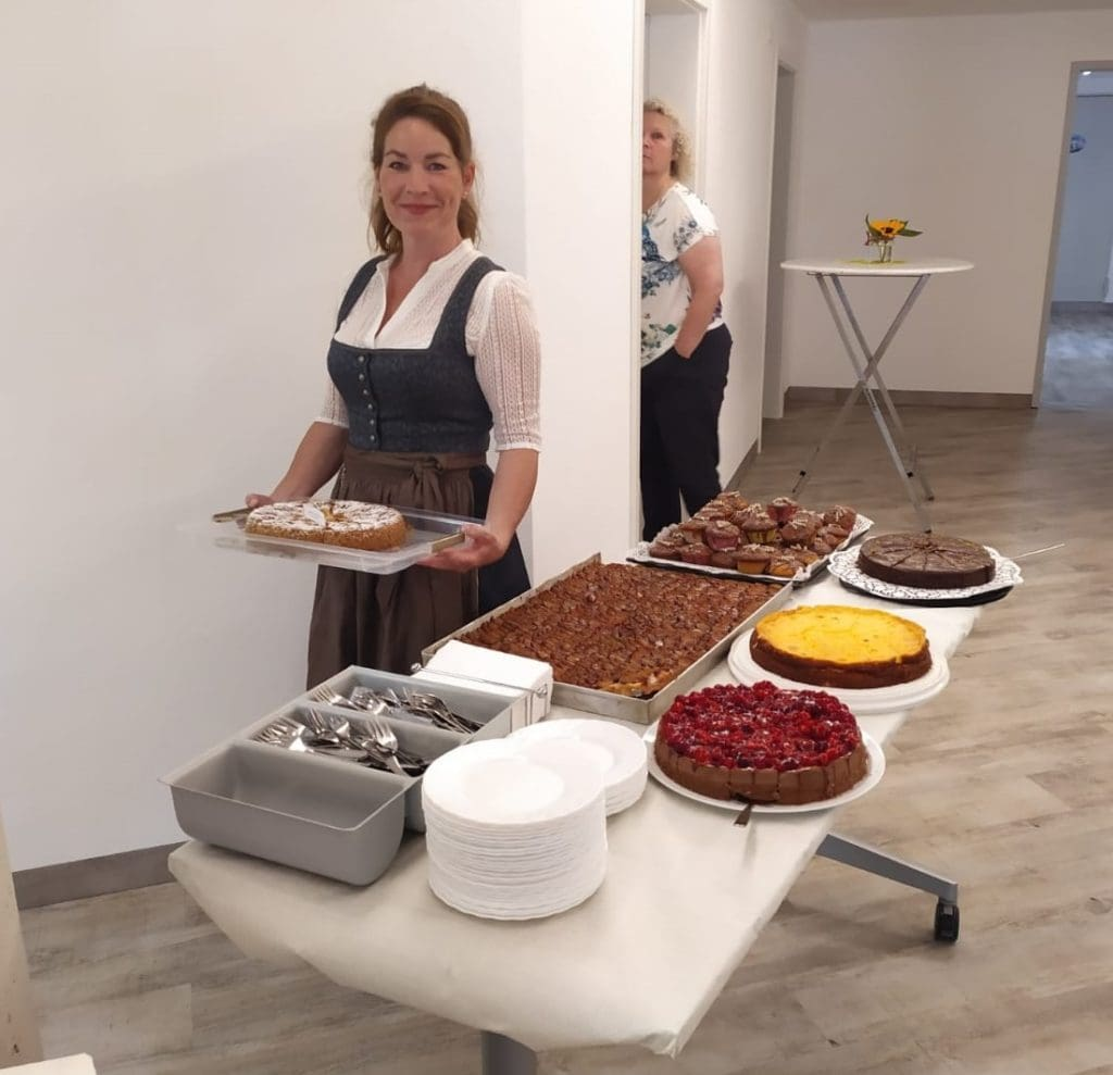 TdoT – Bianca mit Kuchen